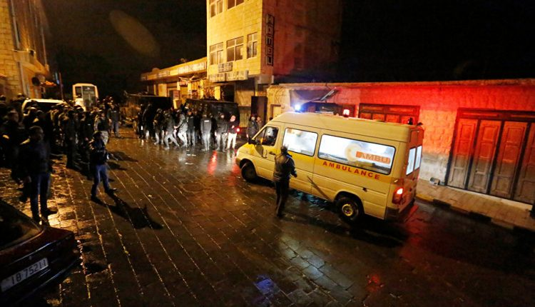 سيول بالأردن تقتل 21 شخصا معظمهم تلاميذ في حافلة مدرسية