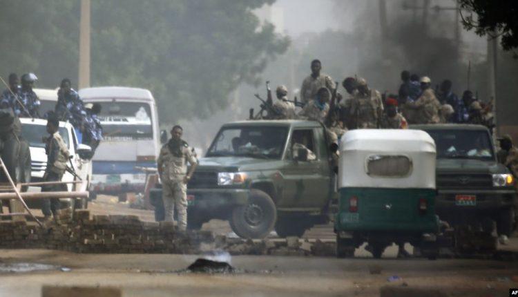 """مقتل أكثر من 30 سوداني ومئات الجرحى بسلاح """"الجنجويد"""""""
